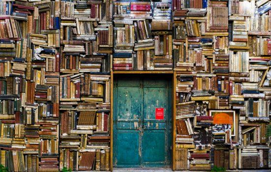 Literatuur laat je ontsnappen naar een andere wereld.
