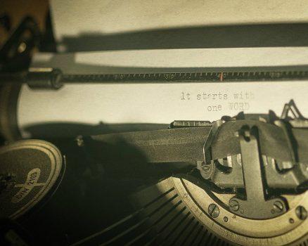 Hoe schrijf je een boek? It starts with one word.