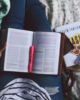 Ben jij een ondernemer (in spé)? Lees dan deze 5 boeken om kennis op te doen en jezelf te ontwikkelen.