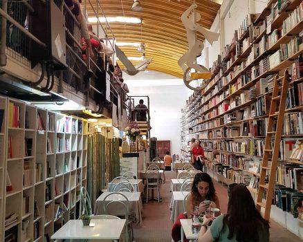 Ler Devagar in de LX Factory in Lissabon.