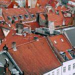 Daken waar Sinterklaas met zijn paard over heen loopt.